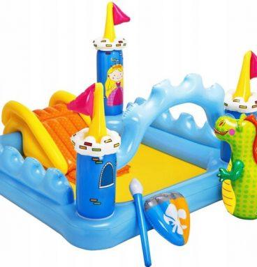vaikiškas baseinas pilis
