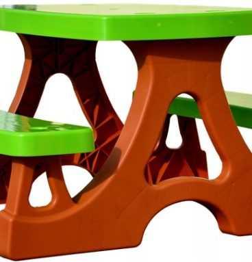 vaikiškas sodo stalas